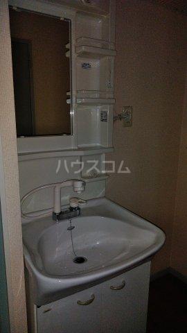 サンスカーラ 202号室の洗面所