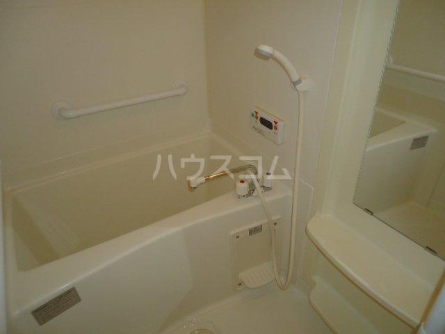 サンクギャザーズ 201号室の風呂
