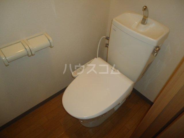 サンクギャザーズ 201号室のトイレ