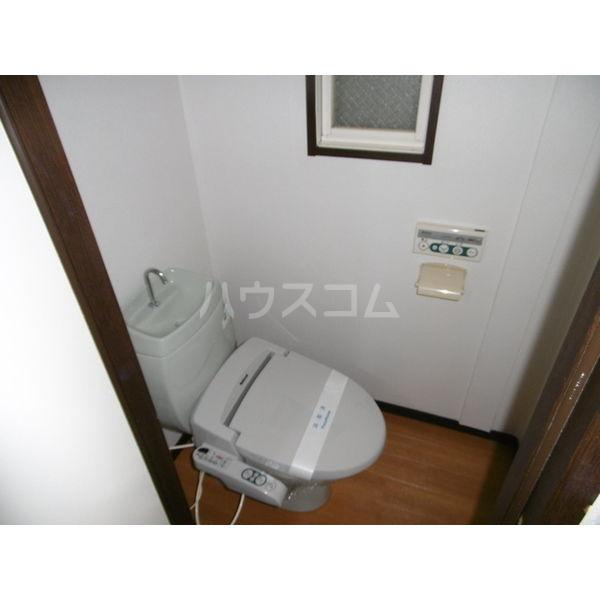 メゾンリーブル A 102号室のトイレ