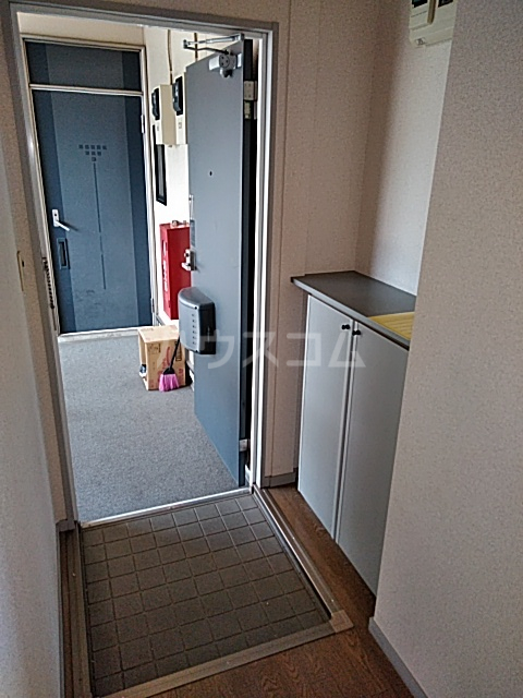 サンビレッジアイランド Ⅱ 201号室の玄関