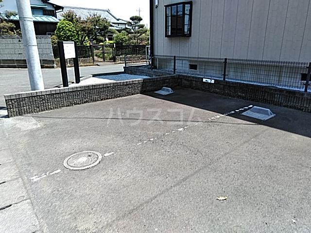 サンビレッジアイランド Ⅱ 201号室の駐車場