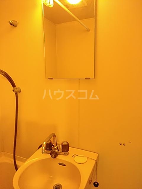 ウイングハイツ小山 311号室の洗面所