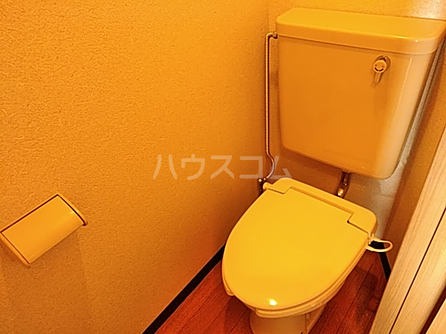 ウイングハイツ小山 311号室のトイレ