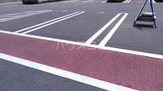 一徳ハイツpart 2 215号室の駐車場