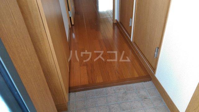 ユーミーハヤミズ 204号室の玄関