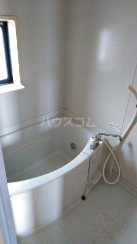 トライステージ B 102号室の風呂