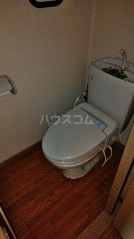 トライステージ B 102号室のトイレ