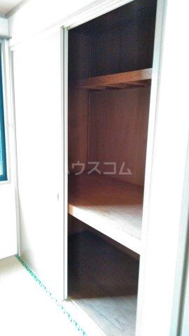 トライステージ B 102号室の収納