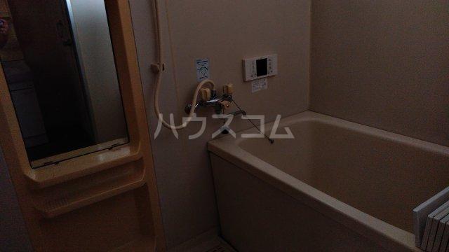 ハニーゴールド 202号室の風呂