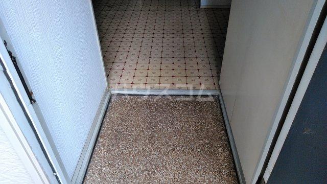 ハイグレード石崎 103号室の玄関