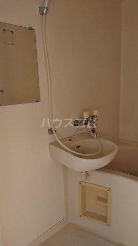 コーポライラック 103号室の洗面所