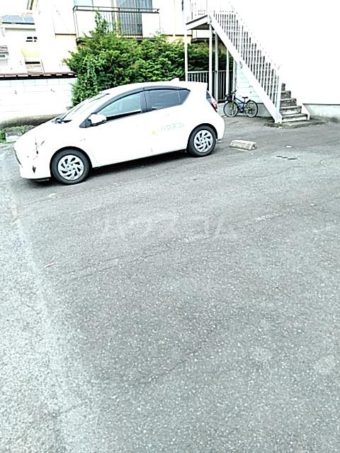 ハイグレード峯岸Ⅱ 202号室の駐車場