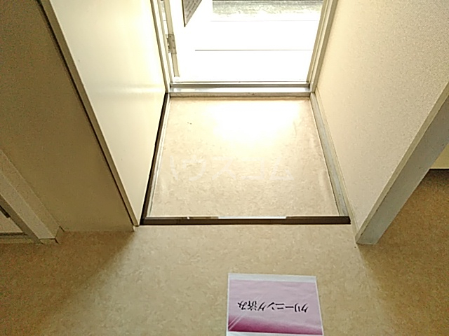 ハイグレード白馬 201号室の玄関