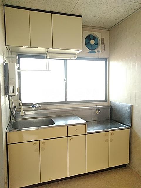 ハイグレード白馬 201号室のキッチン