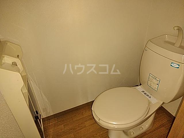ラ・フランスKAZU  101号室のトイレ