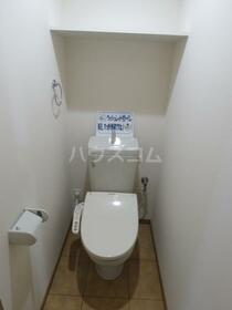 Y&M VillaWhite 203号室のトイレ