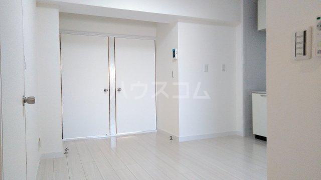 神宮スカイハイツ 218号室のリビング
