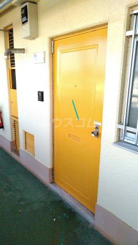 神宮スカイハイツ 218号室のエントランス