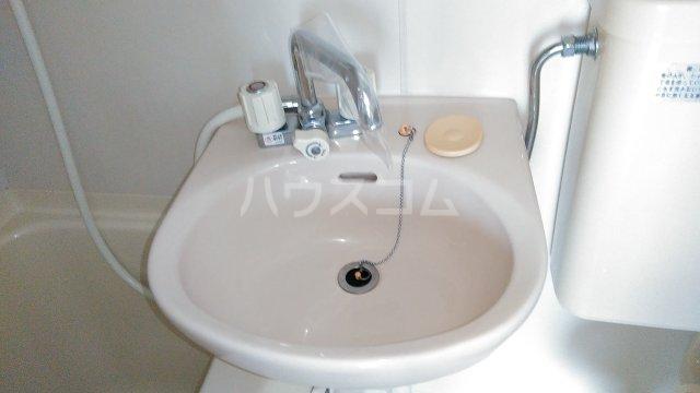 ゼロジーブロック 210号室の洗面所
