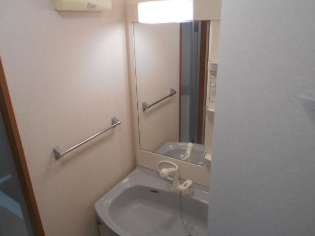 プレジール 203号室の洗面所