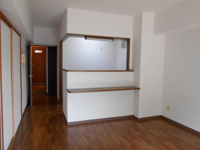 グランシャリオⅡ 405号室のリビング