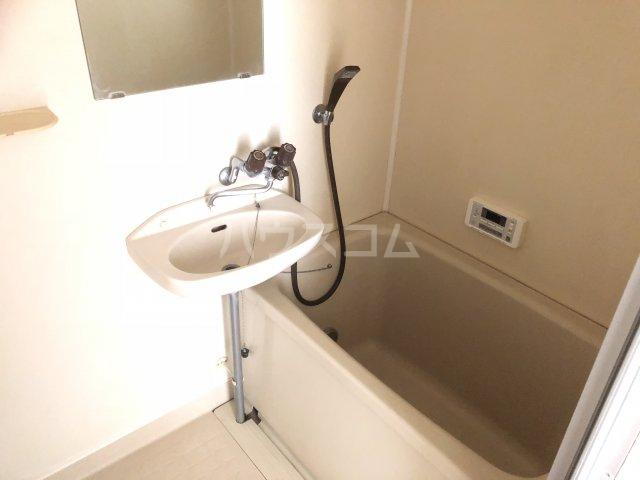 ヴィラYS 205号室の風呂