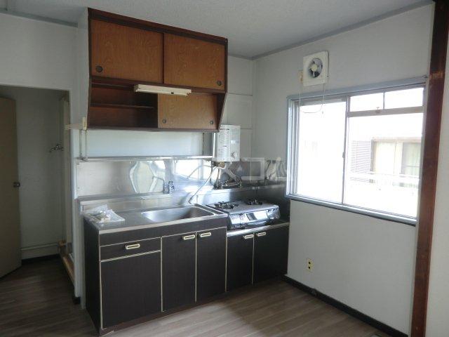 菅田農住ハイツA棟 203号室のキッチン