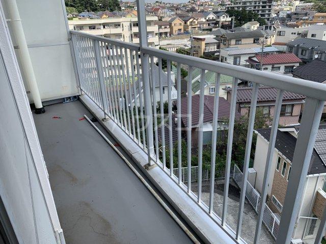 飯田マンション 402号室のバルコニー