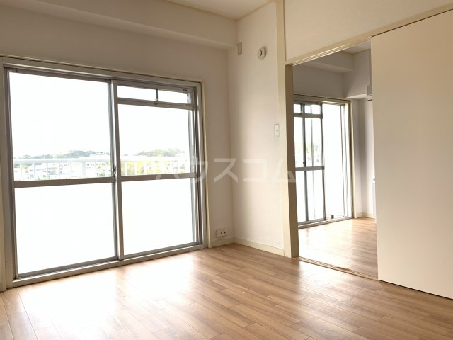 飯田マンション 402号室の居室