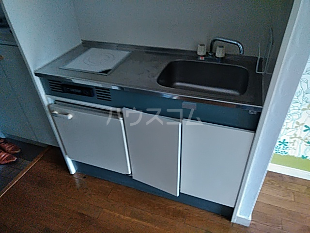 ヨコハマトラディショナルビュー 205号室のキッチン