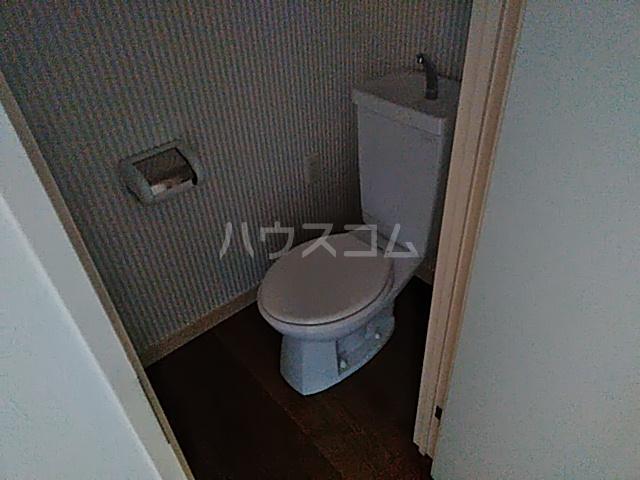 ヨコハマトラディショナルビュー 205号室のトイレ