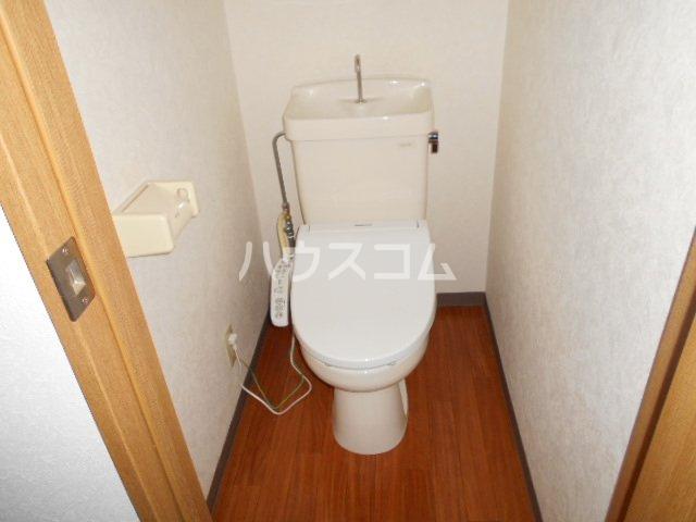ウィステリア壱番館 302号室のトイレ