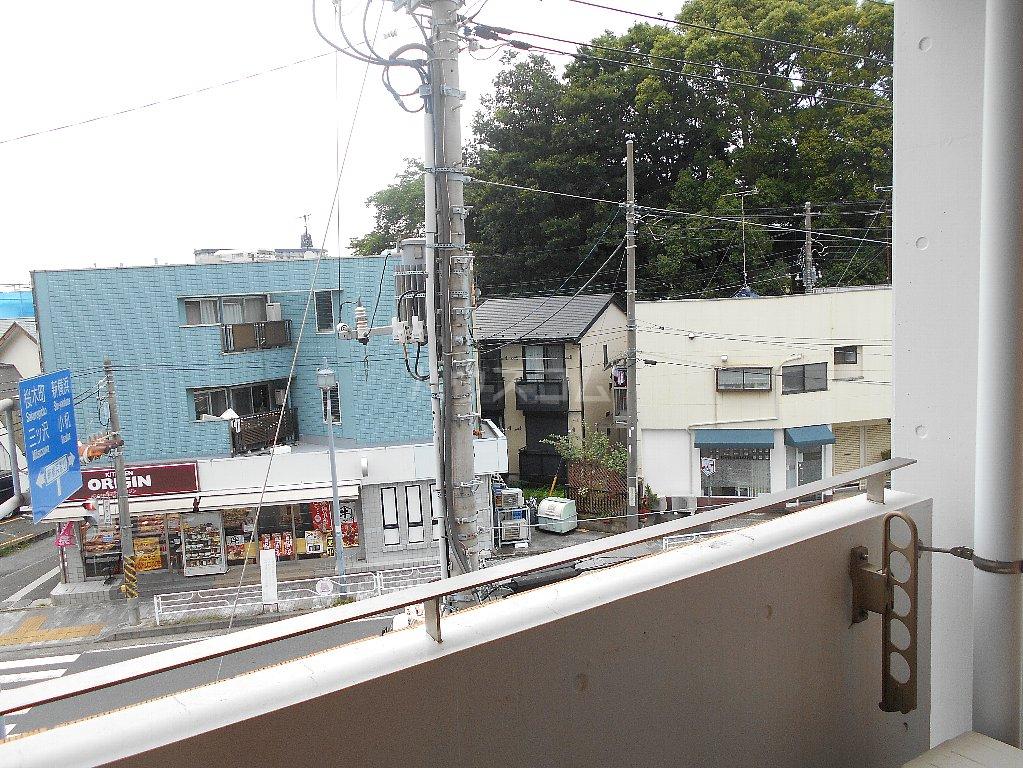 ローバー片倉 301号室の景色