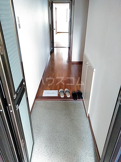 ピアメゾン鹿子 201号室の玄関