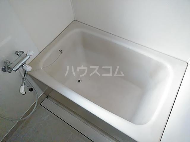 ピアメゾン鹿子 201号室の風呂