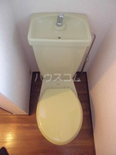 エステートモアイーストパーク 508号室のトイレ