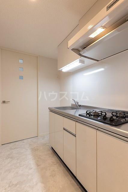 ザ・レジデンス博多 806号室のキッチン
