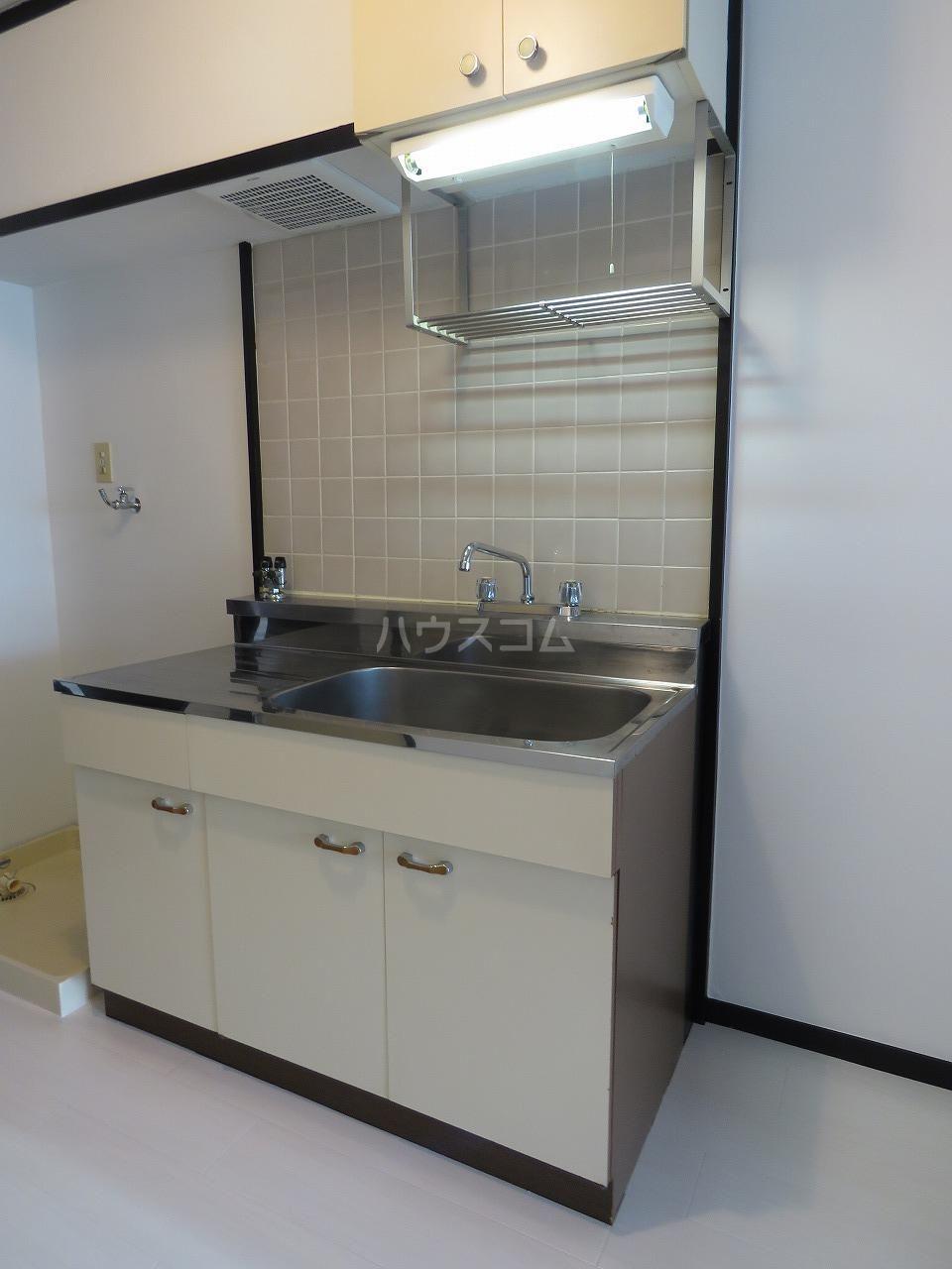 メゾン・ド・藤 202号室のキッチン