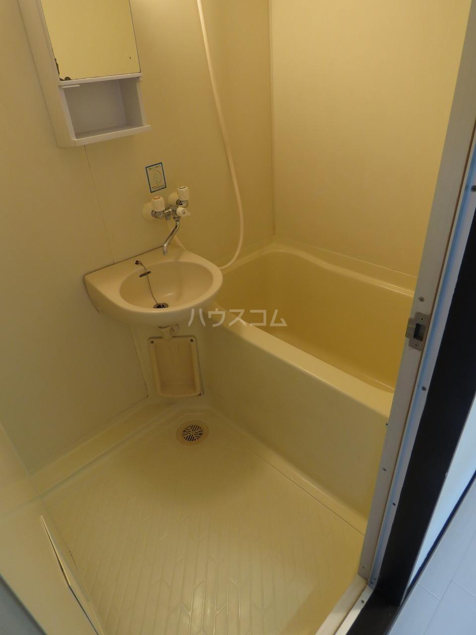 メゾン・ド・藤 202号室の風呂