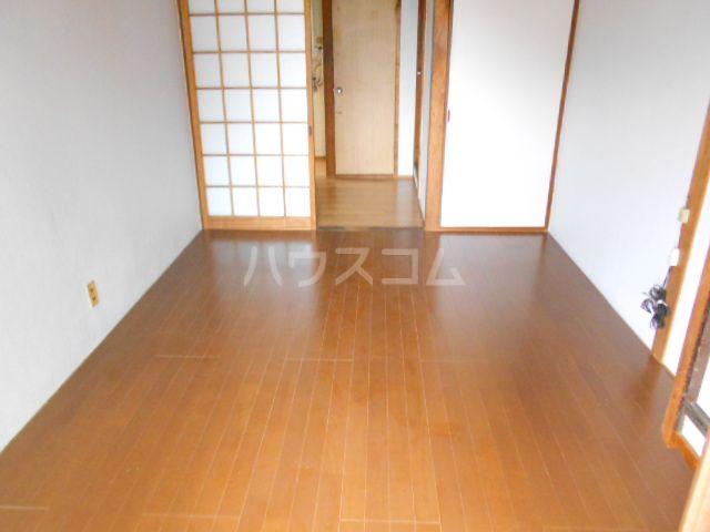 南福岡第2太陽コーポ 203号室のリビング
