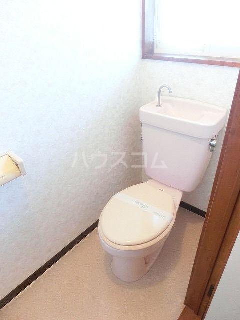 It's春日タウンC棟 201号室のトイレ