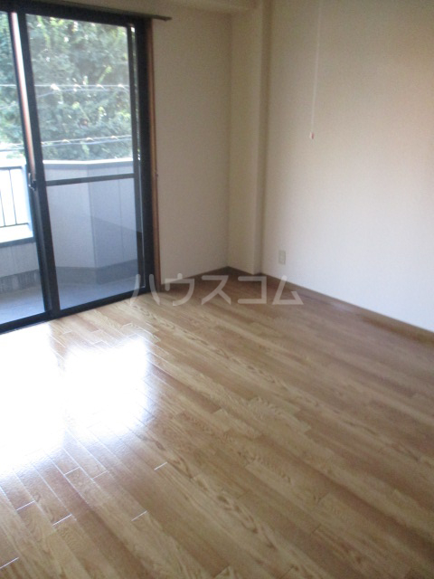 コーポ高幸 104号室の居室