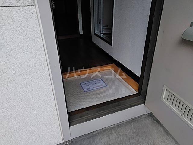 シティハイムいずみⅠ 201号室の玄関