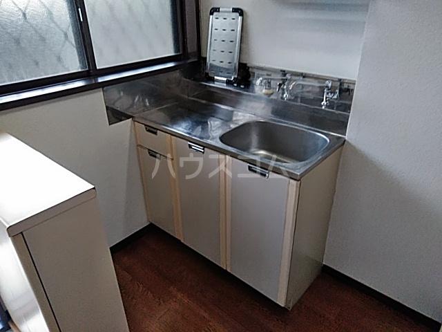 シティハイムいずみⅠ 201号室のキッチン