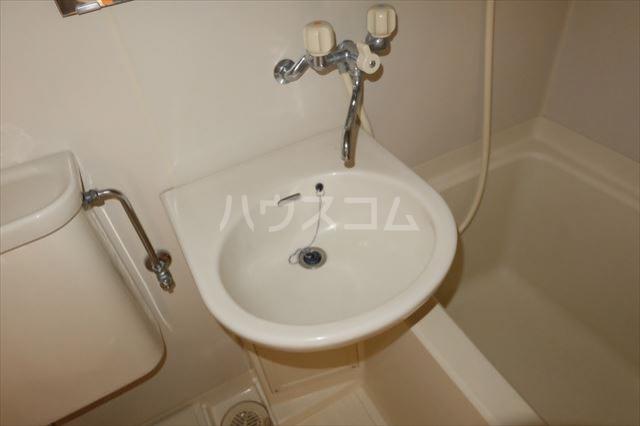 エトワール宇都宮第3 404号室の洗面所