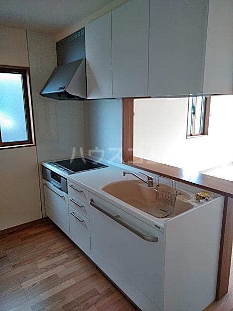 下岡本戸建第9期のキッチン