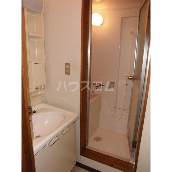 メゾンブランジェ 202号室の洗面所