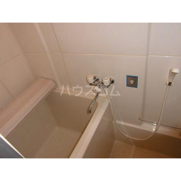 メゾンブランジェ 202号室の風呂