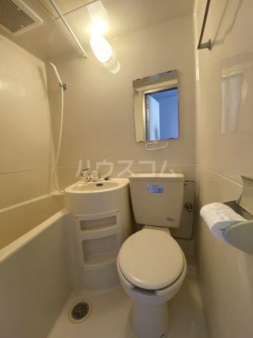 ひばりが丘ハウス 203号室のトイレ